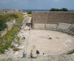 Le théâtre (15.000 places)