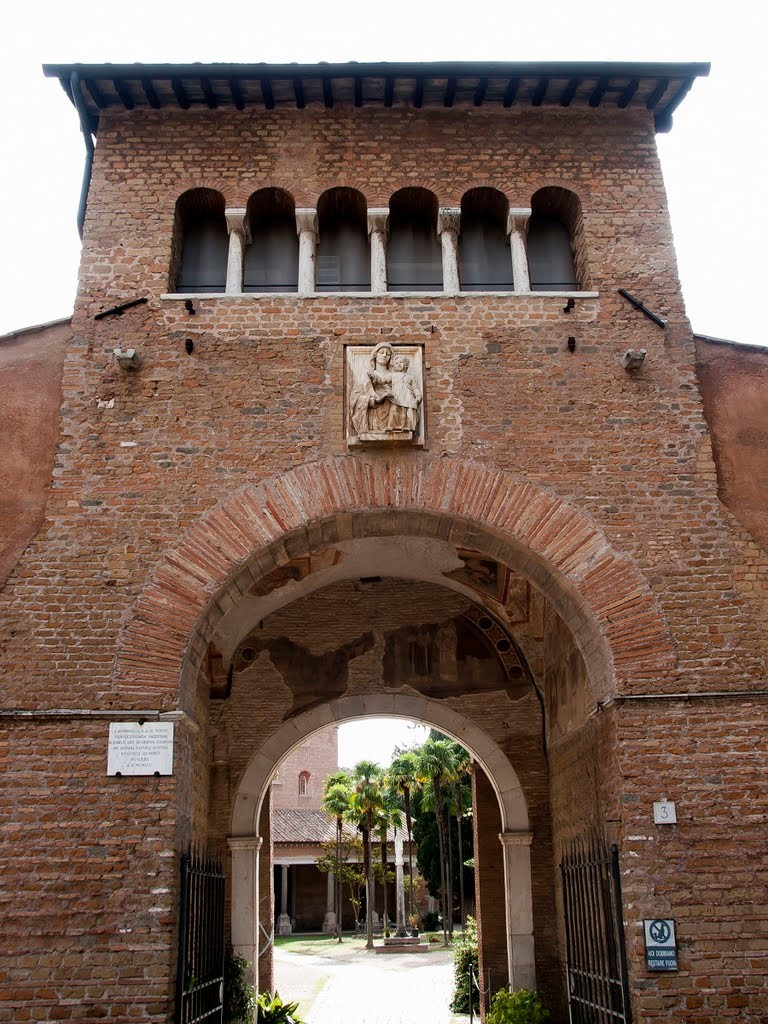 L'arche de Charlemagne